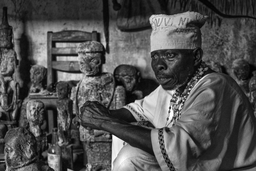 Togo-Benin_DSCF1786-copy_BW_ayelet-2