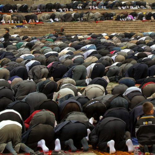"""שלב שלוש """" דת ואמונה: קולקטיב מול אינדיבידואל """""""